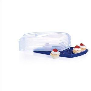 New !!!! Tupperware caketaker/ cupcake holder